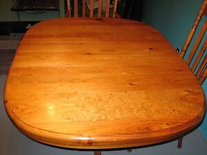 PEDESTAL TABLE + 4 CHAIRS - SOLID PINE