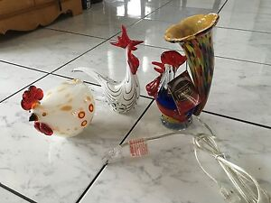$99  Dale Tiffany hand blown Rooster lamp +2 Roosters