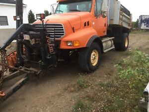 2005 Ford Sterling with snow plow