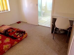 One room for rent in southport girl only Southport Gold Coast City Preview