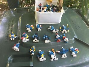Box of Smurf Figurines Figures  from the 1980s Mission Beach Cassowary Coast Preview