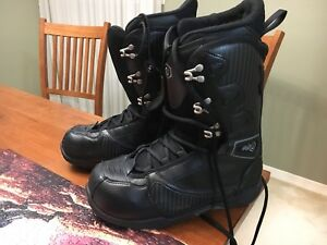 Size 10 Men's Snowboard Boots