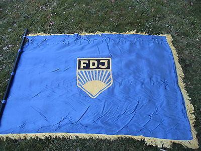 alte beidseitig bestickte DDR FDJ Fahne 1,15x1,70 m