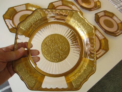 Set of Six Pink Mayfair Open Rose Depression Dinner Plates with Gold Decoration