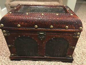 Decorative chest or trunk