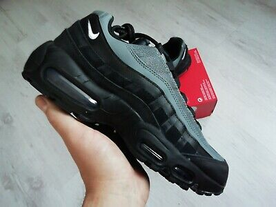 NIKE AIR MAX 95 ESSENTIAL MENS TRAINERS SIZE UK/6 EUR/40 CI3705 002