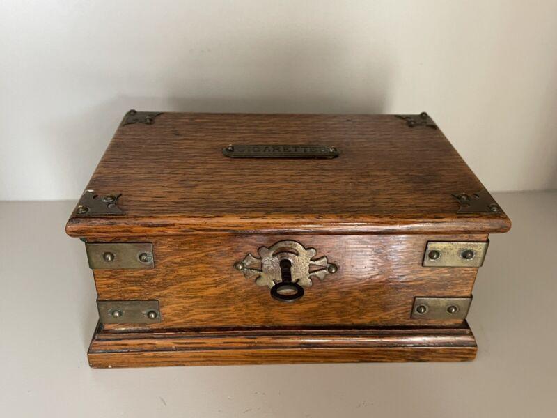 Lovely Vintage Antique Circa 1920's Oak Cigarette Box With Key