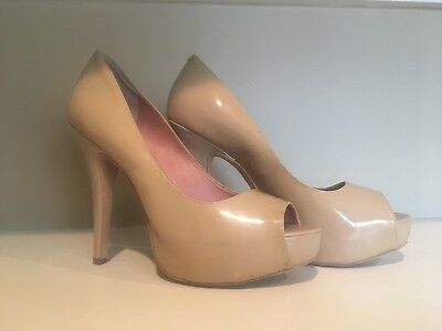 Vince Camuto Pumps Patent Leather Nude Beige Peep Toe Stiletto Women's Size 8.5 ()