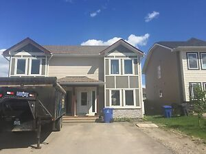 NEWLY RENOVATED DUPLEX IN A GREAT AREA