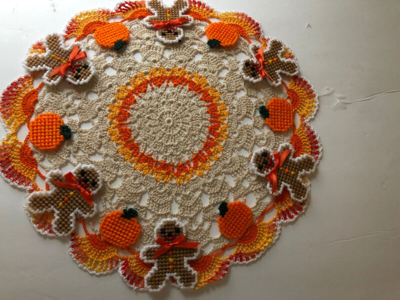 Brand New Hand Crocheted Gingerbread Cookies And Pumpkins Centerpiece Doily