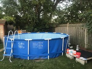 15x15 round outdoor Pool