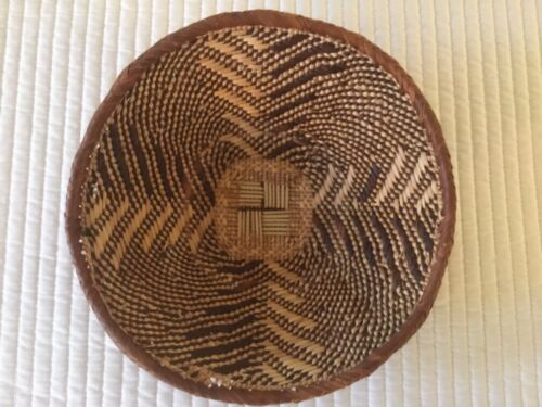 """Artisanal Woven Tribal Pattern Braided Natural Palm Leaves African Basket 9 1/2"""""""