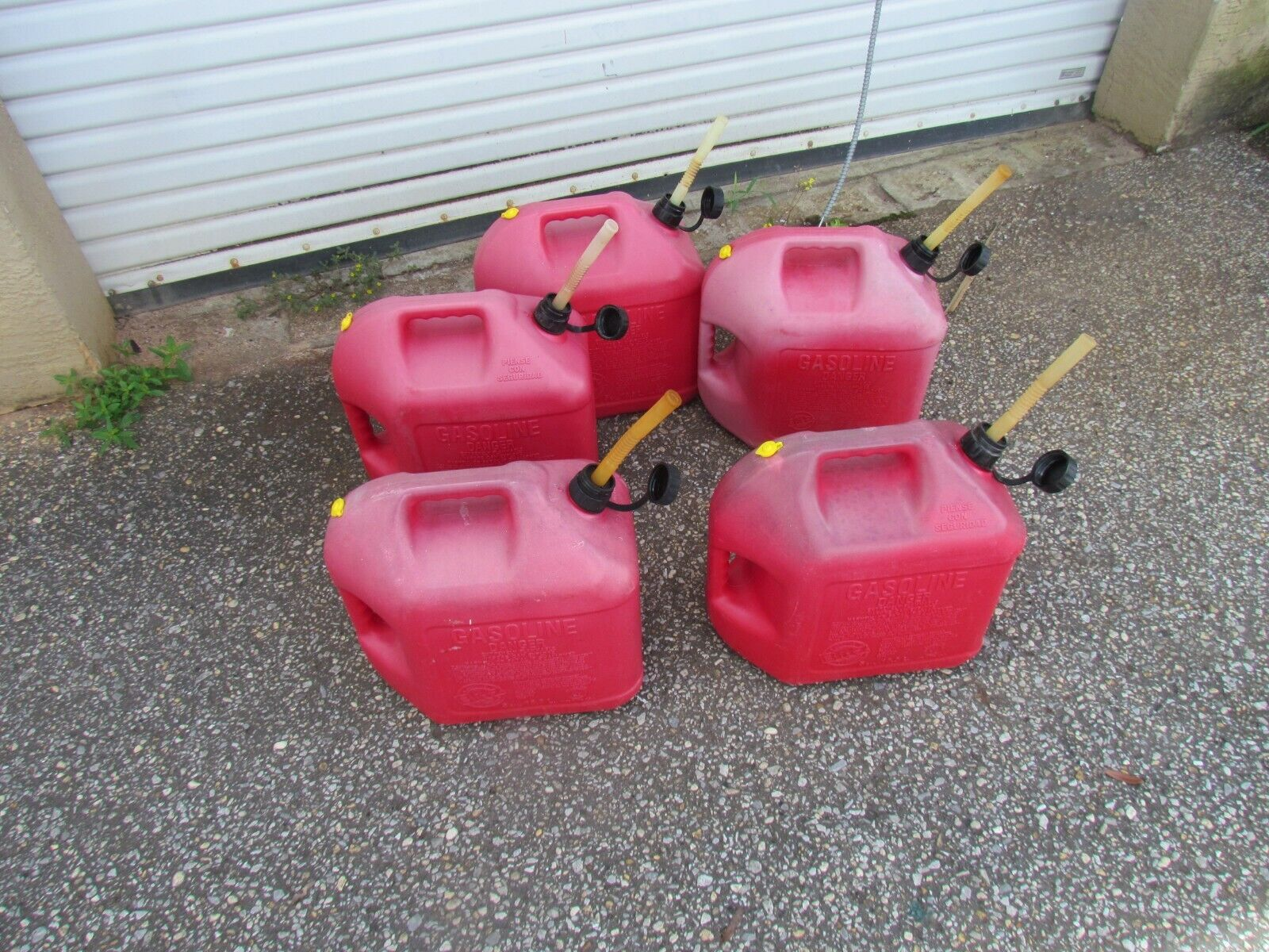 BLITZ 5 GALLON GAS CANS VENTED WITH PULL OUT SPOUT 5 EACH - $174.99