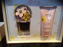 Perfume sit Narre Warren Casey Area Preview