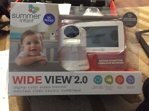 Summer infant large screen baby monitor. Color with sound