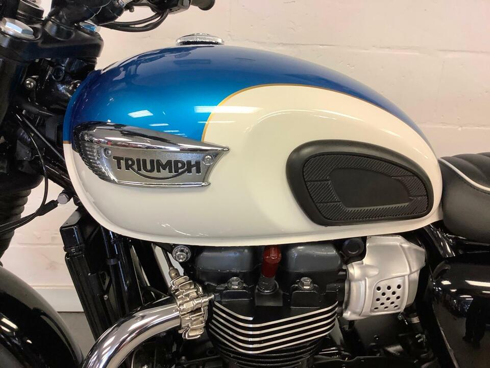 Triumph Bonneville T100 2018 / 18 Pristine Condition - Private plate - T100