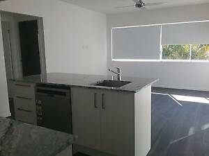 FULLY SELF CONTAINED 2 BEDROOM GRANNY FLAT WITH AIR CON & PARKING Coorparoo Brisbane South East Preview