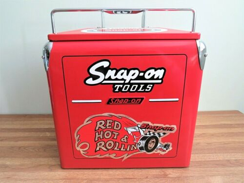 SNAP-ON TOOLS RETRO METAL TOOL CHEST COOLER RED/CHROME BOTTLE OPENER COLLECTIBLE