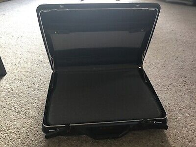 Samsonite BLACK Hard Shell Briefcase / Laptop Case. Very strong