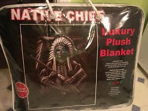 QUEEN PLUSH BLANKET NEW!!!