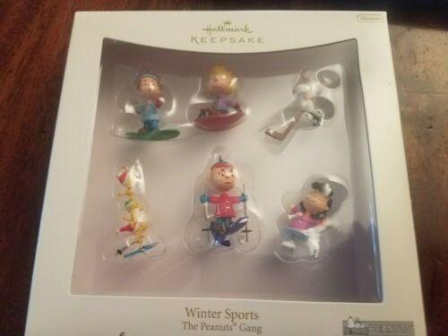 ❄️2007 Hallmark Keepsake Ornament THE PEANUTS GANG: Winter Sports (6 Miniature)