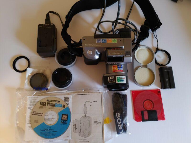 Vintage Sony Digital Mavica Camera 14x zoom