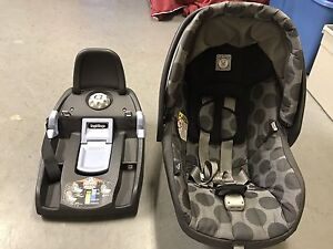 Infant Car Seat: Peg-Pérego Primo Viaggio 4-35