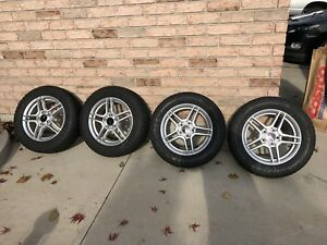 215/60/16 Bridgestone Blizzak WS80 mounted on alloy rims