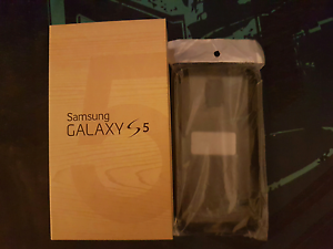 Samsung Galaxy S5 *Unlocked* Clarkson Wanneroo Area Preview