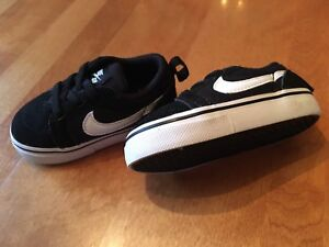 Toddler size 4 Nike sneakers