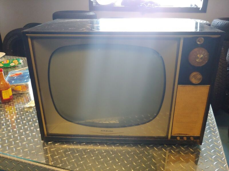 "Vintage 27"" RCA Victor television awesome for nastalgia decorations"