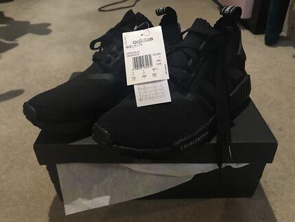 Adidas NMD R1 PK Japan  triple black US7.5