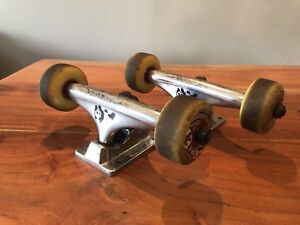 Skateboard Enjoy Trucks Bullet Wheels Reds Bearings