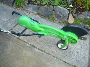 LAWN EDGER- ELECTRIC-ATOM- perfect working order-little use-camden