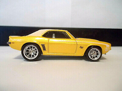 Hot Wheels '69 1969 Camaro Yellow 2018 50th with Real Riders 1:64 Loose/New