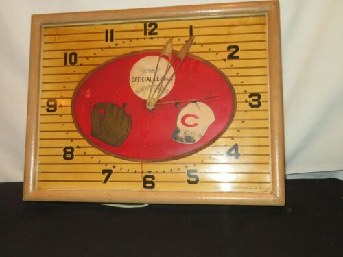 VTG BURGER BREWING CO CINCINNATI REDS BASEBALL ELECTRIC WALL CLOCK  METAL Works