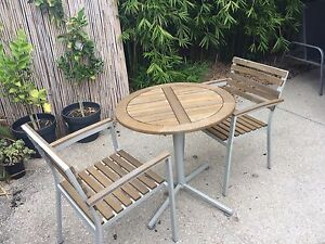 Free outdoor furniture setting Brunswick East Moreland Area Preview
