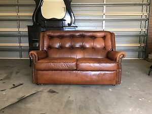 Maron Chesterfield Leather Lounge Set Traralgon Latrobe Valley Preview
