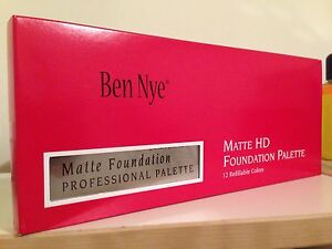 Ben Nye Essential HD Matte Foundation Palette 12 Shades Professional Make Up