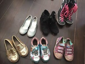 Girl's Shoes, size 11/12