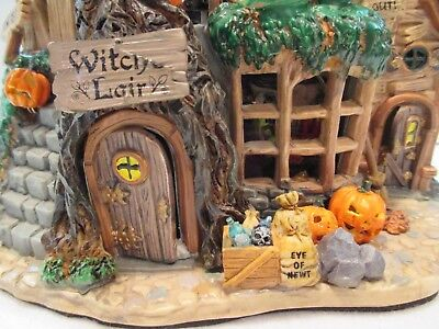 LEMAX SPOOKY TOWN WITCH'S LAIR 2004 HALLOWEEN MUSICAL ANIMATED 45003