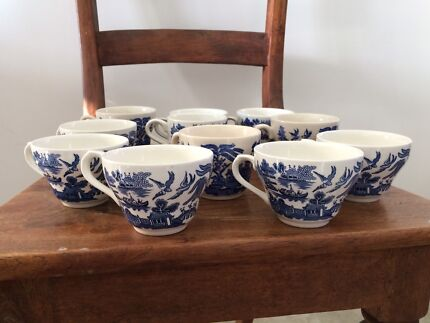 Wanted: Vintage Japanese style porcelain cups mugs