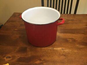 16 Qt Red enamel covered metal Stock pot