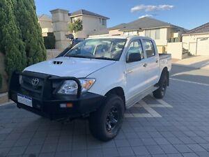 2006 Toyota Hilux (4x4) * LOW KMS*
