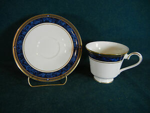 Royal Doulton Stanwyck H5212 Cup and Saucer Set(s)