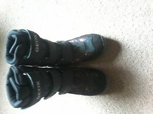 Girl's Geoxx Tek sz.1 winter boot's $ 10.00