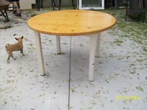 "47"" ROUND TABLE"