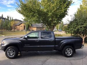 2013 Toyota Tacoma Limited- 100,780kms