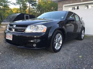 2013 DODGE AVENGER SXT !  Nice Car !