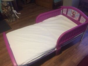 Excellent Condition Like New Toddler Bed